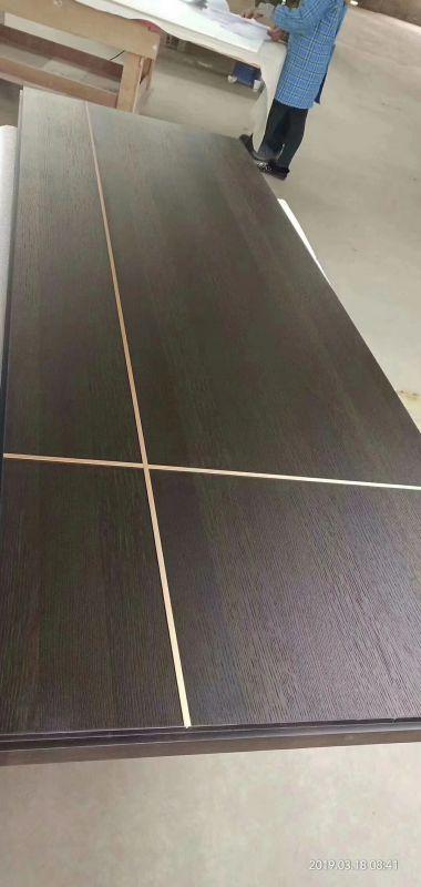 18厚颗粒与多层实木大板