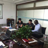 安哥拉客户来潍坊金盟公司洽谈淘金船如何选取河道内的钻石