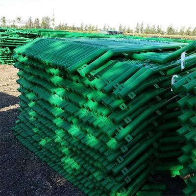 钢板护栏网 运动场护栏网 操场围栏网生产厂家